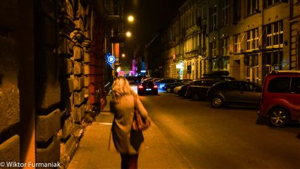 sony night_light walking_the_street street_photography women